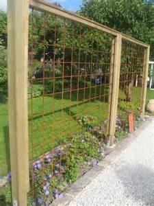 Ideas For Metal Garden Trellis Design Poteau Bois Treillis Soud 233 S Pour Plante Grimpante Treillages Et Filtres Visuels