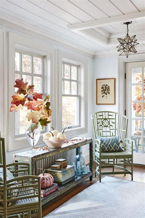 Quaint Decorating Ideas Inside A Quaint Connecticut Cottage That S Decorated For