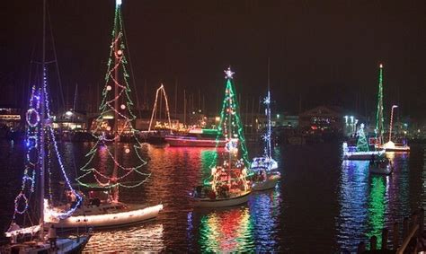eastport yacht club s parade of lights sparkles again this