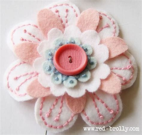 Handmade Felt Flowers Tutorial - felt sewing ideas on felt phone cover ipod
