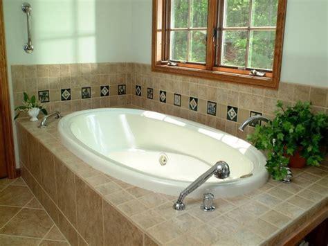 badewannen oval badewanne einfliesen badewanne einbauen und verkleiden