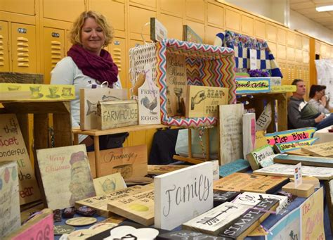 christmas craft show signs the week ahead tree lighting craft fair concert features newarkpostonline