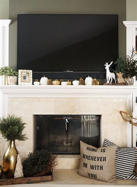 How To Decorate A Mantel by How To Decorate Your Mantel For The Holidays Inspired By