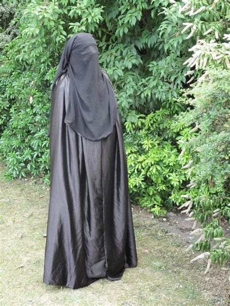 Jilbab Silk Satin Biru Dongker 17 best images about silk satin niqab on blue gold niqab and to die for