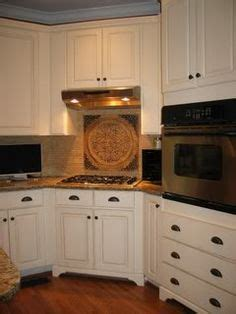 adding legs to kitchen cabinets 1000 images about kitchens on microwaves