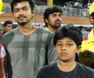 vijay son and daughter actor vijay family childhood photos ilayathalapathy