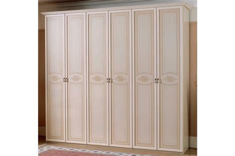 dimensione armadi dimensioni armadio 6 ante con armadio in legno laccato