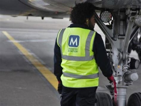 middle east airlines renews cargo handling contract