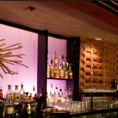 driftwood room portland golocalpdx spotted in portland tobey maguire at sellwood s jade bistro