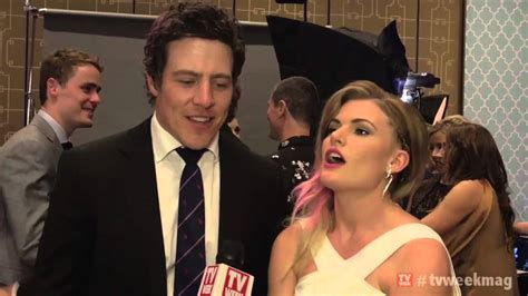 the cast of home and away celebrate their logies win in