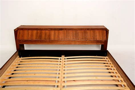 Mid Century Modern Platform Bed Mid Century Modern King Platform Bed In Walnut Wood At 1stdibs