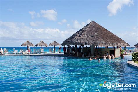 top bars in cancun best swim up bars in cancun paradisus cancun all inclusive oyster com