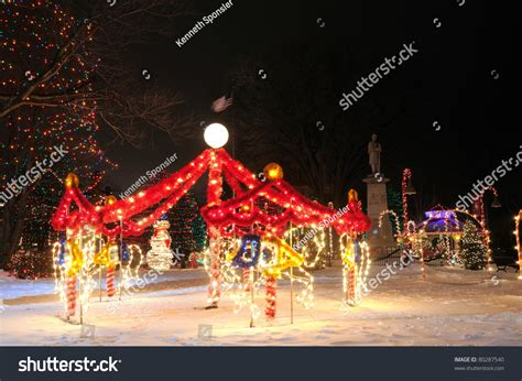 a square display featuring a carousel - Outdoor Carousel Decoration