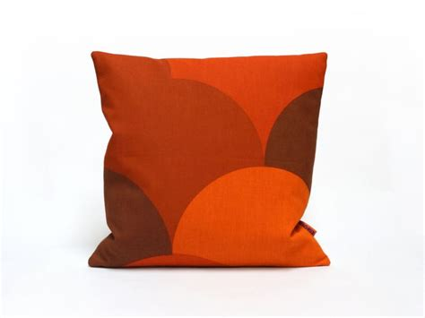red pillows for sofa 1000 ideas about red couch pillows on pinterest red
