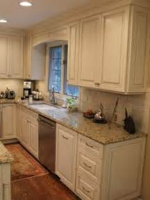 cream white kitchen cabinets 1000 ideas about cream kitchens on pinterest cream
