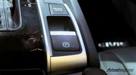 Lu Rem Mobil Berkedip Honda Civic Turbo Alami Recall Karena Masalah Rem Parkir
