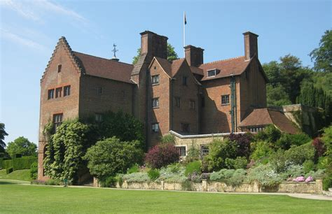 home picture file chartwell house rear jpg wikimedia commons