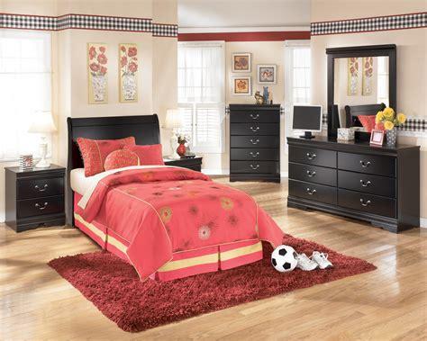 huey vineyard sleigh bedroom set signature design by ashley huey vineyard b128 63 twin