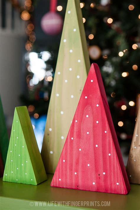 simple xmas wood best 25 wood crafts ideas on wood pallet ideas pallet projects