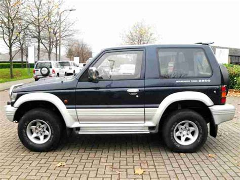 mitsubishi pajero 2 8 ltd edition swb 3 doors 4x4 automatic green low mileage long mot mitsubishi pajero swb 2 8td gls automatic blue 1994 4x4 shogun car for sale