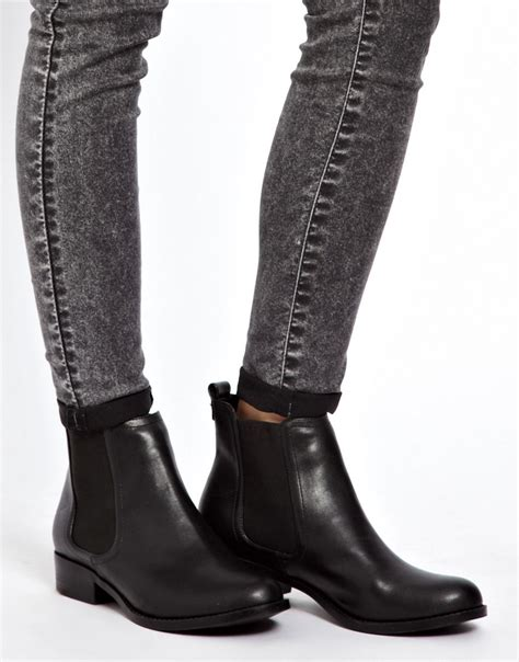 new look new look darcy low flat chelsea boots at asos