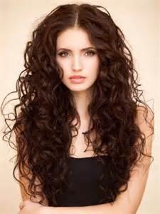 abschluss frisuren lange haare locken die besten 17 ideen zu locken auf locken langen locken und tolle haare