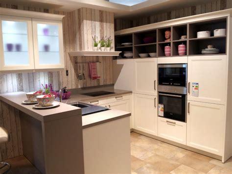 cremefarbige küchen schlafzimmer welche farbe passt