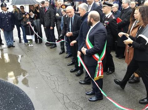 carabinieri sedi minniti inaugura nuova sede di carabinieri e polizia a