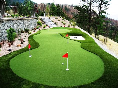 putting green for backyard 25 best ideas about backyard putting green on pinterest