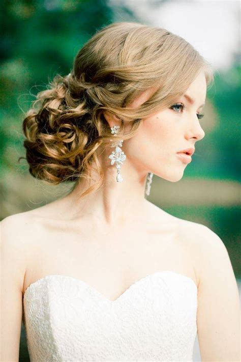 Wedding Hairstyles To Suit Dress by Hairstyles For Formal Halter Dress Hairstyles