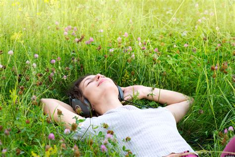 A Relaxed relaxing 20 songs for a chilled out weekend listen