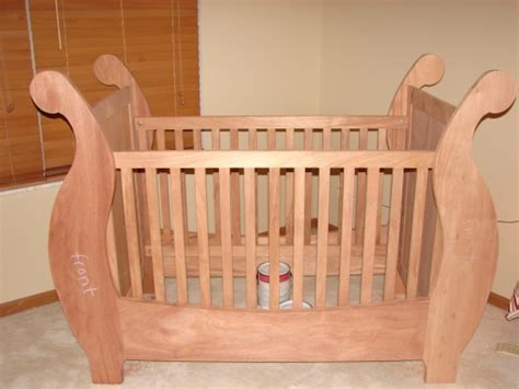 baby crib plans  woodworkers give  newborn  gift