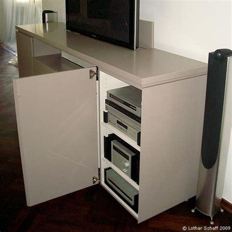 versenkbarer fernseher im tv moebel oder schrank mit tv lift