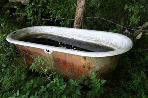 dirty bathtubs 17 best images about bathrooms on pinterest toilets cob houses and plumbing