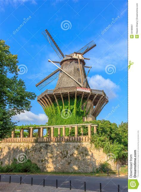 sanssouci tuin de historische molen bekijk van de botanische tuin in