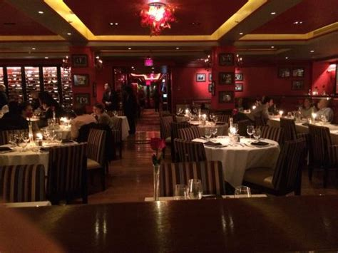 beautiful setting here at lincoln square steak picture