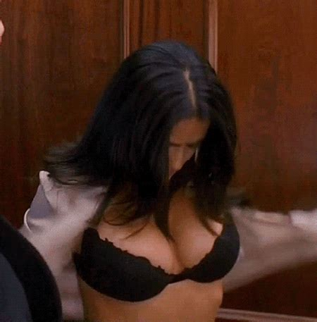 15 hottest gifs of cleavagey, bootyful celebrities