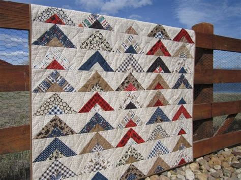 Patchwork Mountain - patchwork quilt with arrows and wildlife patchwork mountain