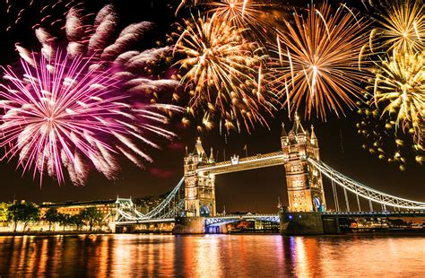 uk new year happy new year 2016 where to see free fireworks in