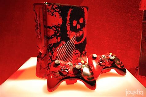 gears of war 3 xbox 360 console gears of war limited edition xbox 360 paints the town