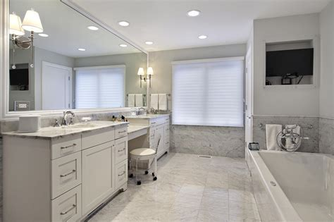 Galerry design ideas for a very small bathroom