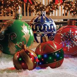 Outdoor Christmas Ornaments by Lighted Outdoor Christmas Decorations On