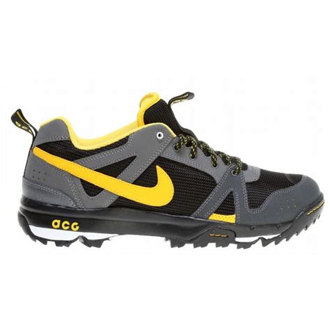nike hiking boots for on sale nike rongbuk hiking shoes up to 70