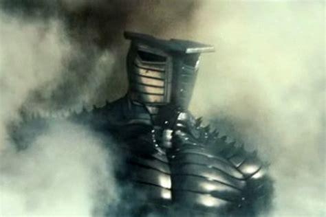 thor movie giant robot thor an all powerful thunder god is arrogant i totally