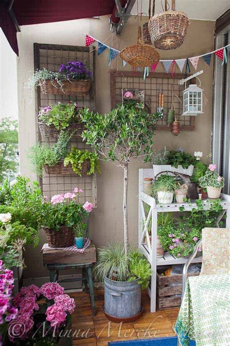 Ideas For Small Balcony Gardens Best 25 Small Balcony Garden Ideas On Pinterest Small Balconies Tiny Balcony And Balcony Garden