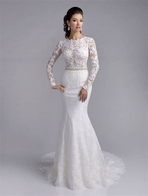 White Wedding Dresses by Delicate Lace Appliques Mermaid White Wedding Dress 2016