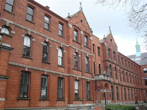 College Dublin Mba Review by Construction Of New Schools