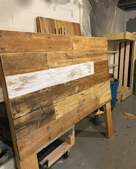 shipping pallet headboard 1000 ideas about rustic wood headboard on pinterest