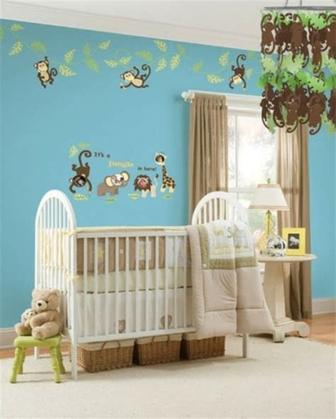 dekor wand deko babyzimmer wand