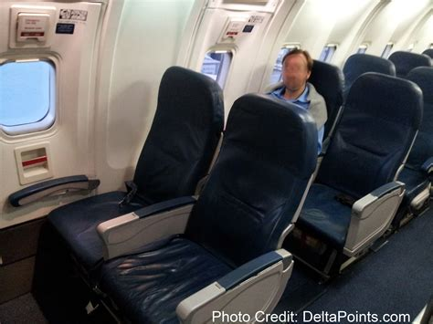 delta economy comfort domestic rookie wednesday watch your delta seats like a hawk 6 5